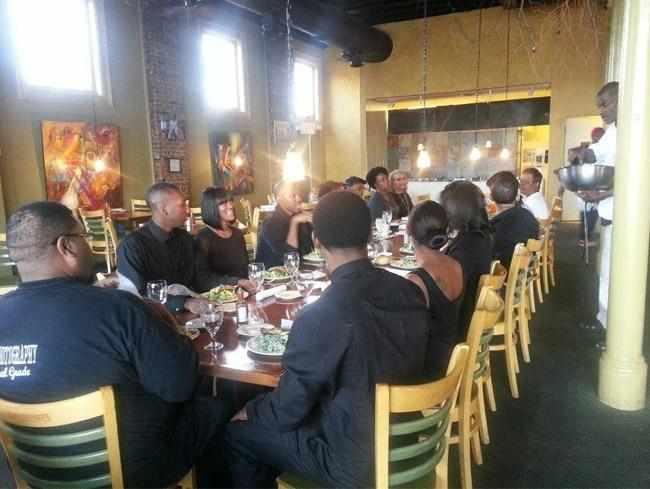 restoran-sunday-dinner-company