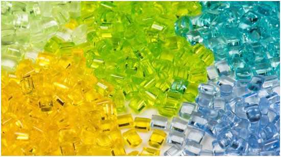 granuly-polikarbonata
